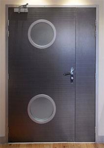 Agencement de bureau en Cloisons amovibles cadre Alu- Revetement de sols PVC et dalle moquette