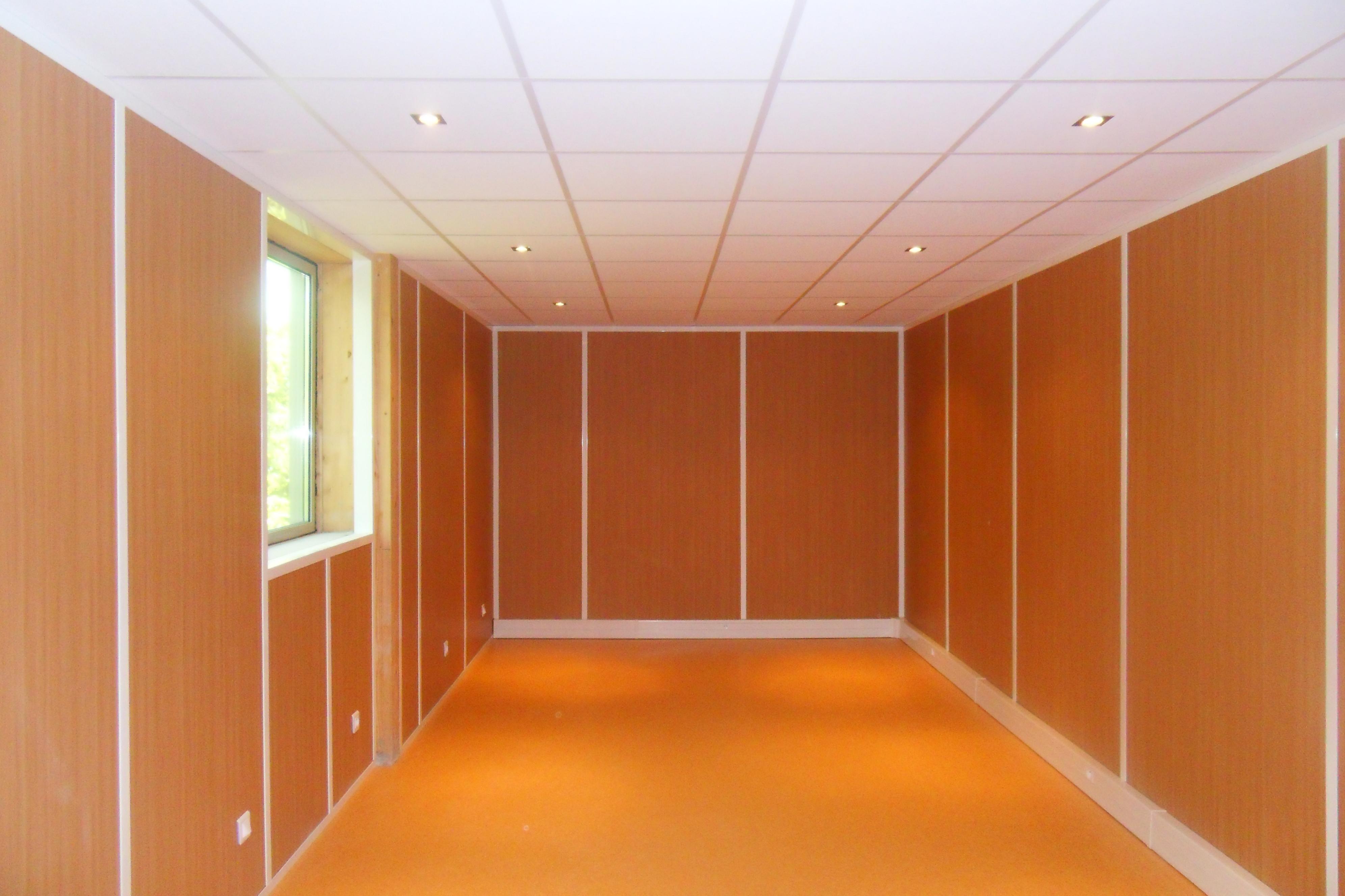 les cloisons pleines toute hauteur aluminium espace. Black Bedroom Furniture Sets. Home Design Ideas