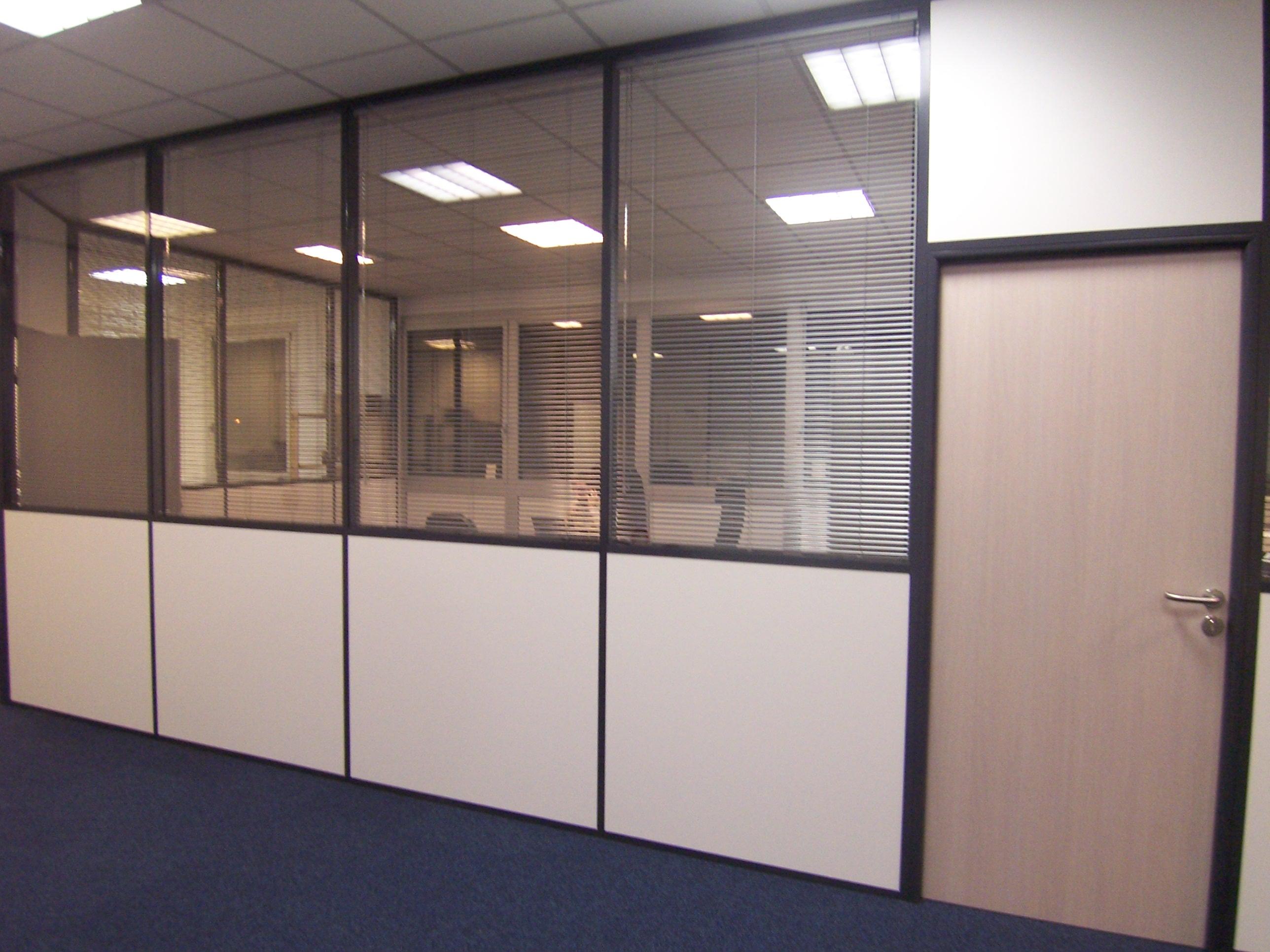 Espace cloisons semi vitr e 03 espace cloisons alu ile de france agencement et am agement - Cloison aluminium bureau ...