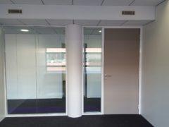 Pose et Installation de cloisons vitrée, film décoratif vitrophanie- Sol PVC et dalles moquette