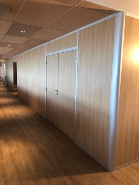 Cloisons Amovibles avec panneaux pleins toute hauteur et double porte
