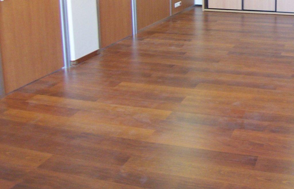 Pose et installation de sols PVC - dalles moquette -- salle de repos -bureau-cuisine entreprise Ile de France