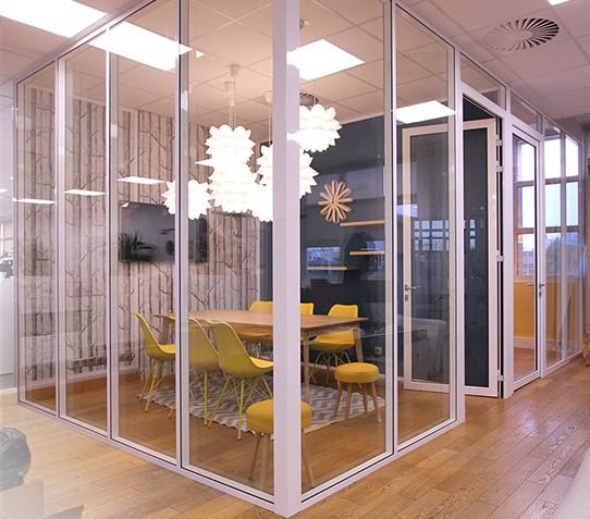 installation de cloison de bureau vitrée toute hauteur sur Paris et ile de france