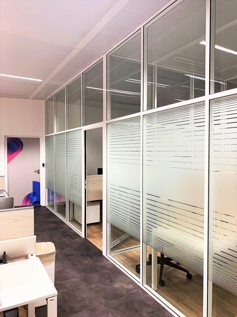 cloisons amovibles de bureau : cloison vitrée toute hauteur